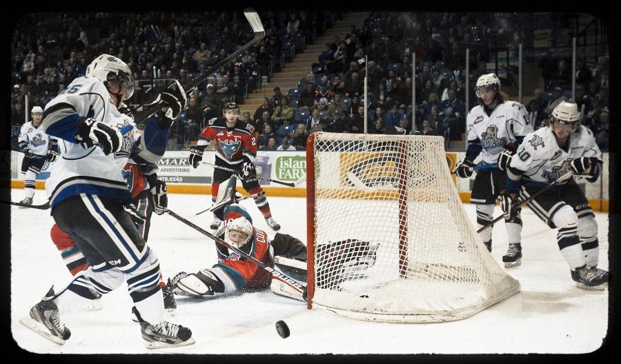 Victoria Royals Kelowna Rockets ice hockey photo