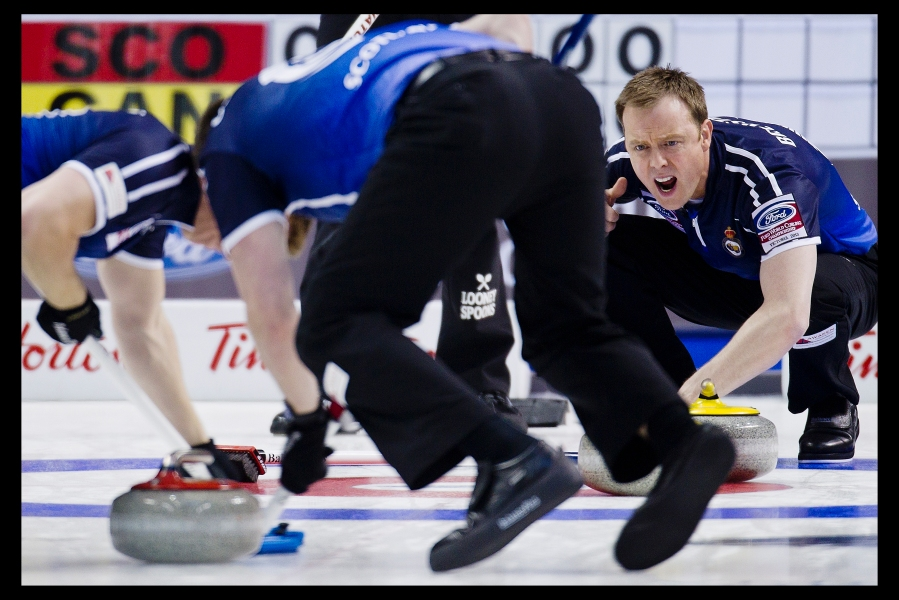 Scotland Third Thomas Brewster and Second Scott Andrews curling