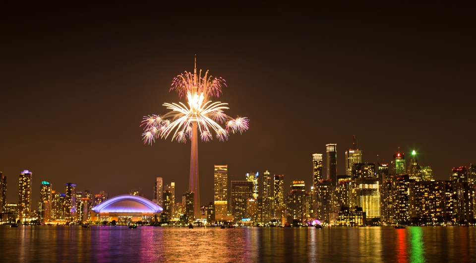 Toronto CN Tower fireworks Photo © Kevin Light 0001