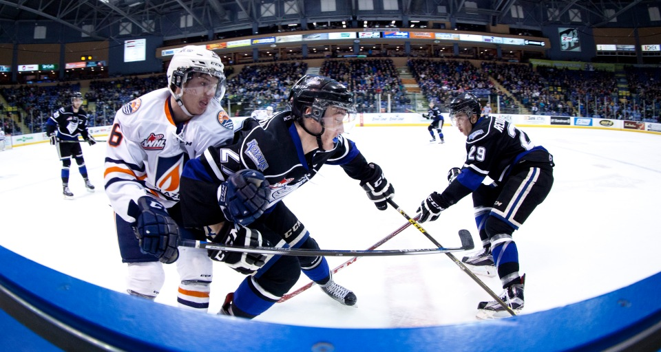 0017 Victoria Royals vs Kamloops Blazers Jan 19, 2016 ©KevinLightPhoto _MG_7706