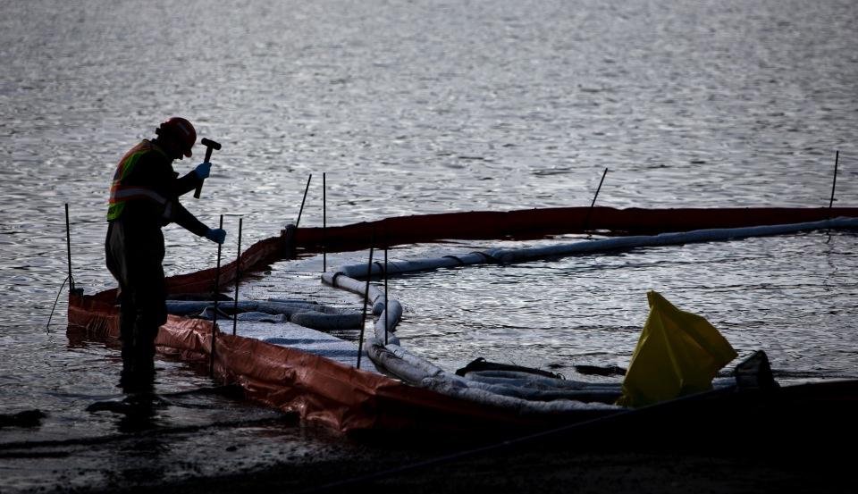 11 Cadboro Bay Saanich Boat Demo Feb 16, 2015 ©KevinLightPhoto_31Q2257