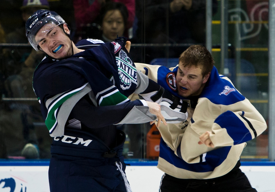 Seattle Thunderbirds beat the Victoria Royals 3-1