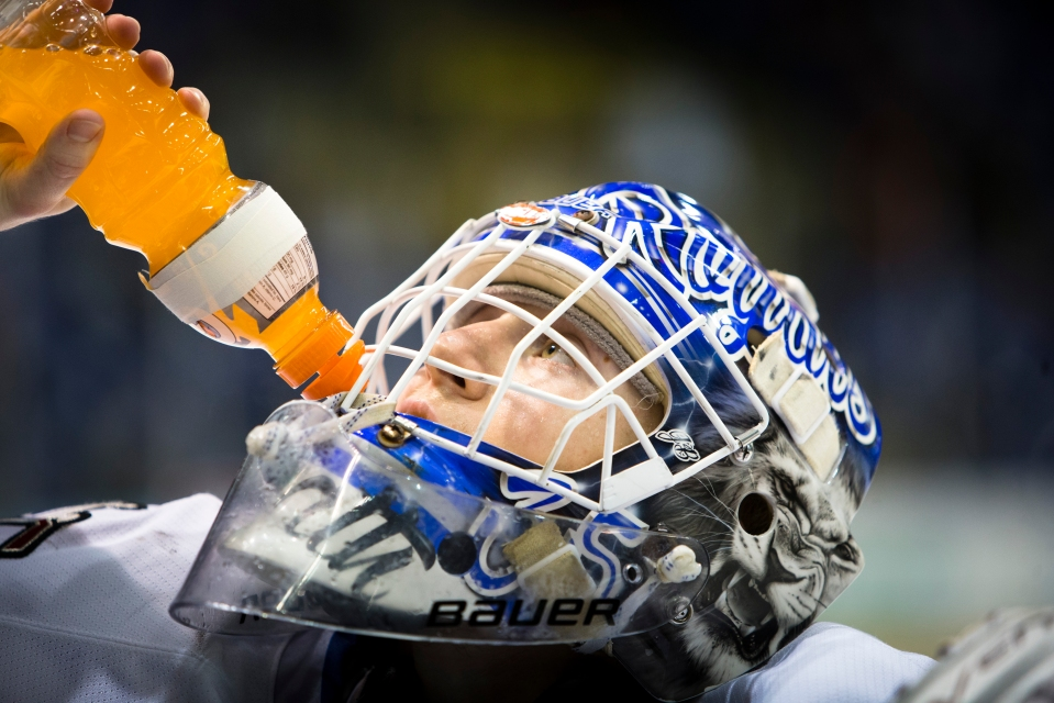 Victoria Royals beat the Vancouver Giants 5-1