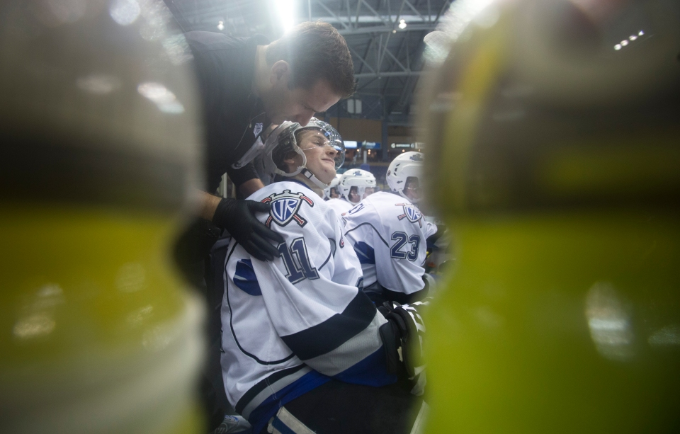 Victoria Royals beat the Edmonton Oil Kings 8-2