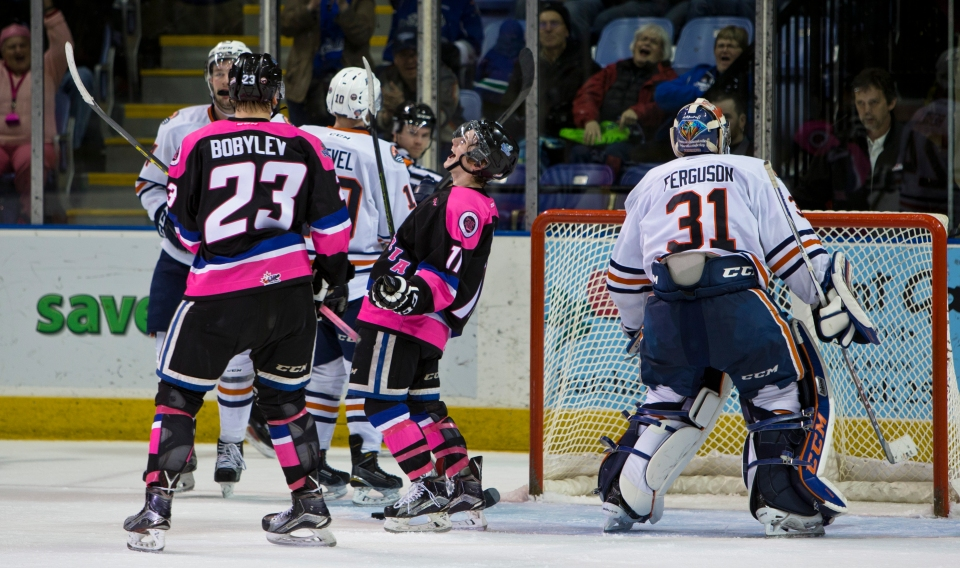 Victoria Royals beat the Kamloops Blazers 6-3.