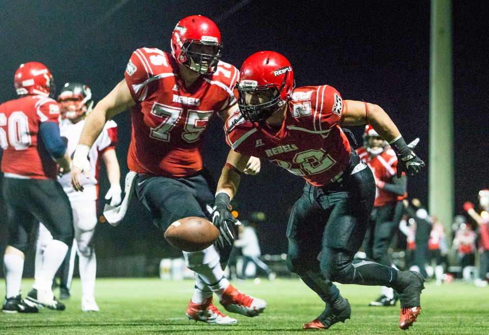 westshore-rebels-vancouver-island-raiders-playoffs-football-kevin-light-photo-07
