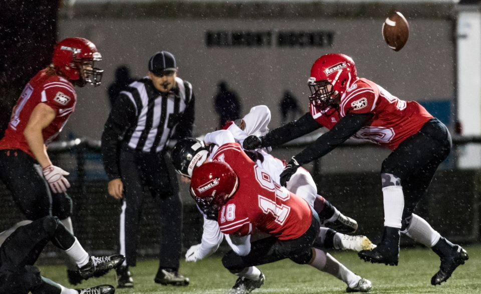 westshore-rebels-vancouver-island-raiders-playoffs-football-kevin-light-photo-24