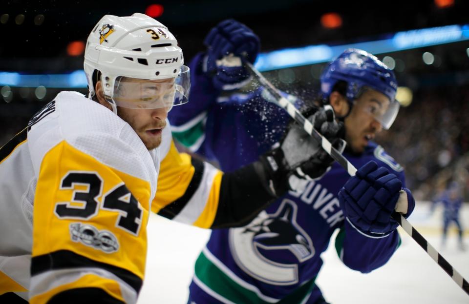 24 Kuhnhackl_Tom_Hockey_Vancovuer Canucks vs Pittsburgh Penguins ©KevinLightPhoto-CBC _EVL8798