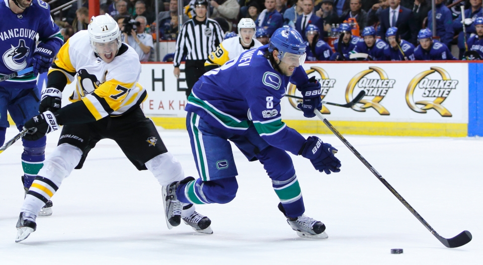 26 Tanev_Chris_Hockey_Vancovuer Canucks vs Pittsburgh Penguins ©KevinLightPhoto-CBC _LX18747