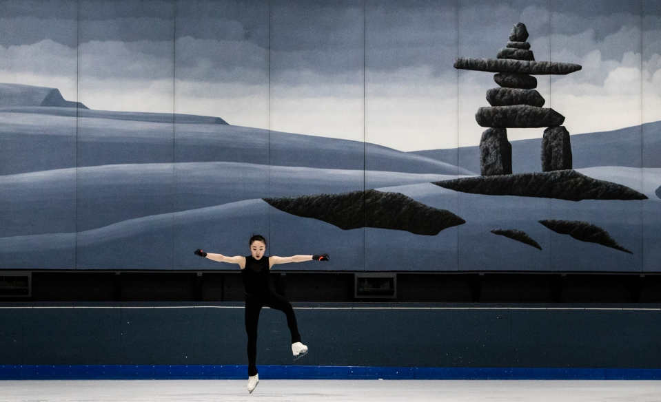 10 Figure_Skater_Sarah_Tamura_inukshuk_Kevin_Light_Photo_31